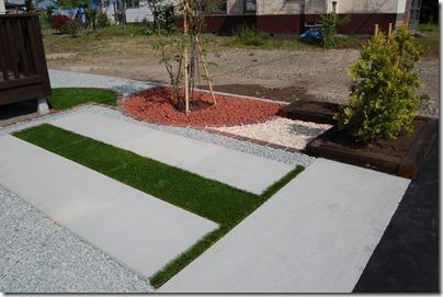 土間コンクリート&人工芝スペース