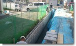 土留め、型枠ブロック、擁壁施工中