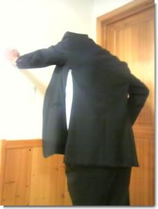 スーツ破れる・・.jpg