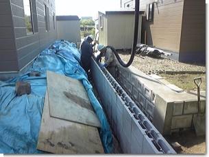 型枠ブロック中込コンクリートポンプ打設.jpg
