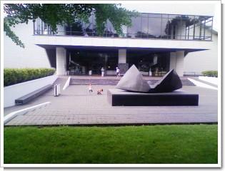 北海道立近代美術館.jpg